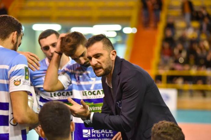 Volley Modica, continua l'avventura tra società e Giuseppe Bua